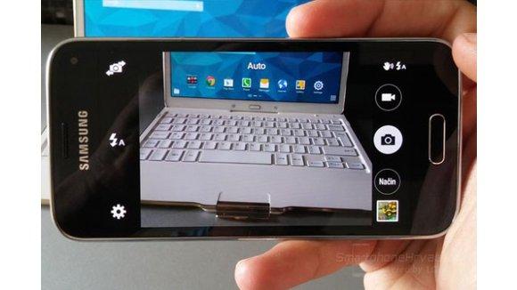SAMSUNG pametni telefon GALAXY MINI S5 SM-G800F crni